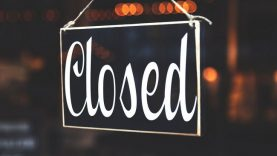 selective-focus-photography-of-closed-signage–650
